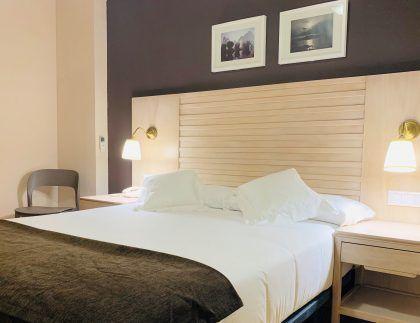Habitacion premium económica. Alojamiento en el centro de Córdoba al mejor precio.