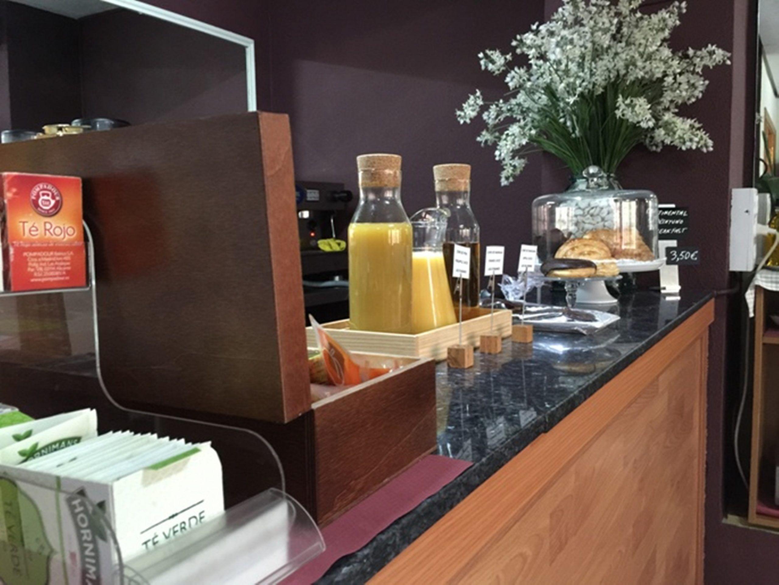Desayuno Continental Hostal Arriadh